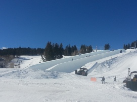 Doublepipe being made