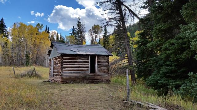 settlers cabin near Sylvan Lake